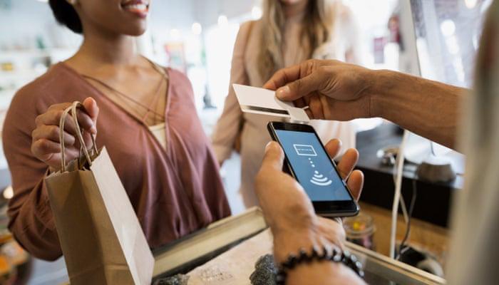 نوآوری و تحول در عرصه کارتهای اعتباری